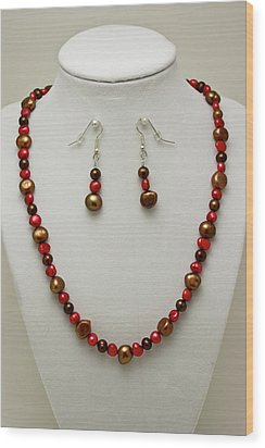 3536 Freshwater Pearl Necklace And Earring Set Wood Print by Teresa Mucha
