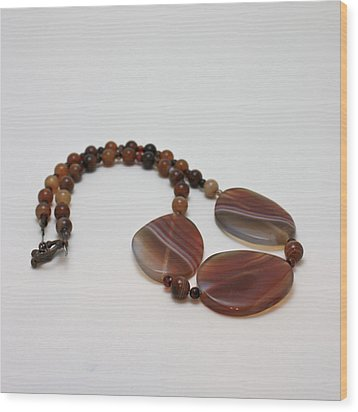 3543 Coffee Vein Agate Necklace Wood Print by Teresa Mucha