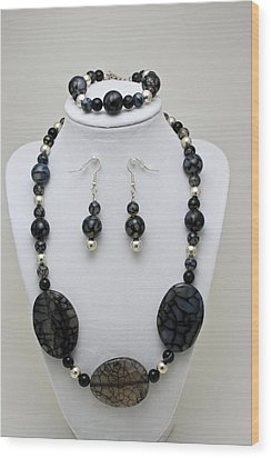 3548 Cracked Agate Necklace Bracelet And Earrings Set Wood Print by Teresa Mucha