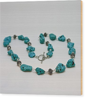 3599 Turquoise Necklace Wood Print by Teresa Mucha