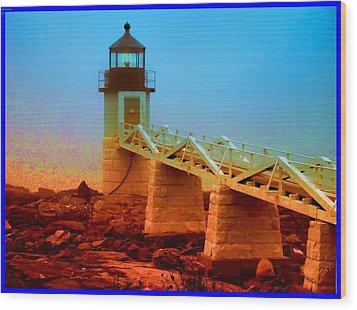 3600001  Maine Lighthouse Wood Print by Ed Immar