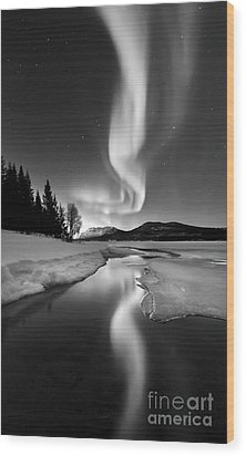 Aurora Borealis Over Sandvannet Lake Wood Print