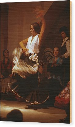 Flamenco Dancer Wood Print by Carl Purcell