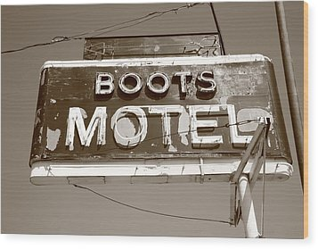 Route 66 - Boots Motel Wood Print by Frank Romeo
