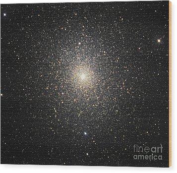 47 Tucanae Ngc104, Globular Cluster Wood Print by Robert Gendler