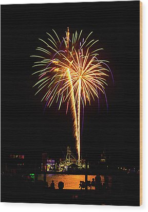 Wood Print featuring the photograph 4th Of July Fireworks by Bill Barber
