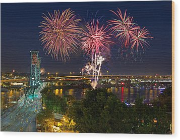 4th Of July Fireworks Wood Print by David Gn