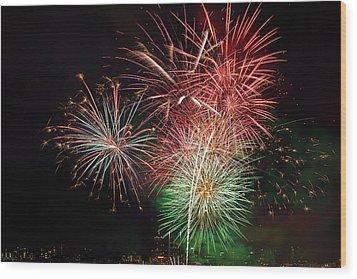 4th Of July Fireworks Display Portland Oregon Wood Print by David Gn