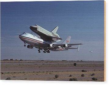 747 Takes Off With Space Shuttle Enterprise For Alt-1 Wood Print by Brian Lockett