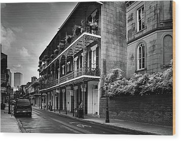 910 Royal Street In Black And White Wood Print by Greg and Chrystal Mimbs