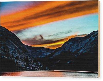 A Beautiful Jet Stream At Sunrise Wood Print by Brian Williamson