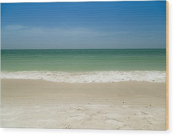 A Calm Wave Wood Print by Christopher L Thomley