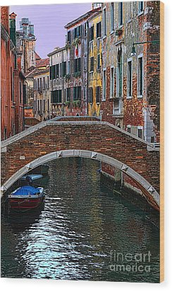 A Canal In Venice Wood Print by Tom Prendergast