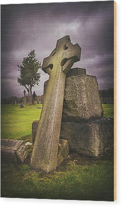 Wood Print featuring the photograph A Celtic Cross In Glasgow Scotland by Carol Japp