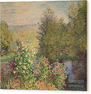 A Corner Of The Garden At Montgeron Wood Print by Claude Monet