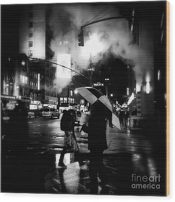 A Foggy Night In New York Town - Checkered Umbrella Wood Print