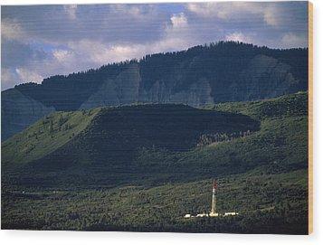 A Gas Drilling Rig At The Foot Wood Print by Joel Sartore