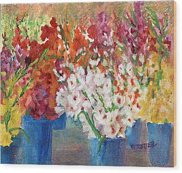 A Gladiola Party Wood Print by Jimmie Trotter