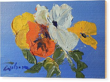 A Nudge Of Pansies Wood Print by Ron Wilson