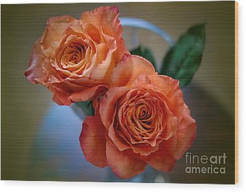 Wood Print featuring the photograph A Peach Delight by Diana Mary Sharpton