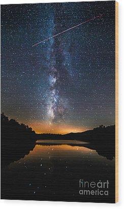 A Shooting Star Wood Print by Robert Loe