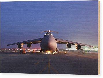 A U.s. Air Force C-5 Galaxy Aircraft Wood Print by Everett