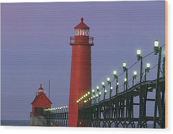 A View Of The Grand Haven Lighthouse Wood Print by Ira Block