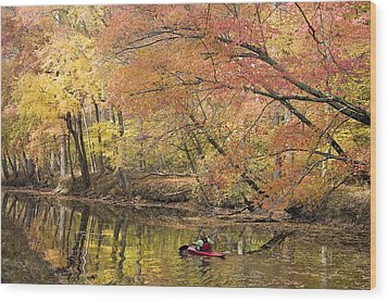 A Woman Kayaking Down The Chesapeake Wood Print by Skip Brown