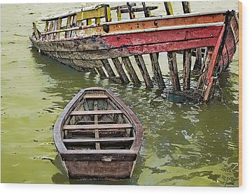 Wood Print featuring the photograph Abandoned Boat by Kim Wilson
