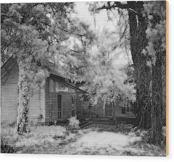 Abandoned House Wood Print by Fred Baird