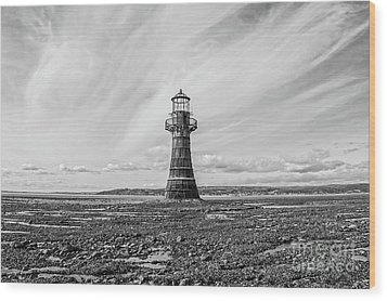 Wood Print featuring the photograph Abandoned Light House Whiteford by Edward Fielding