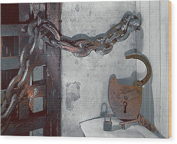 Wood Print featuring the photograph Grunge Old Padlock by Robert G Kernodle
