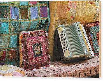 Accordion  With Colorful Pillows Wood Print
