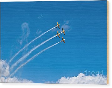 Wood Print featuring the photograph Aerobatics by Yurix Sardinelly