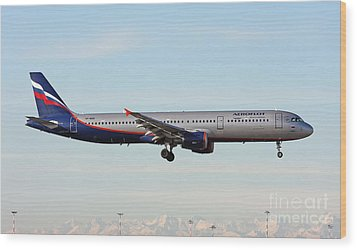 Wood Print featuring the photograph Aeroflot - Russian Airlines Airbus A321-211 by Amos Dor