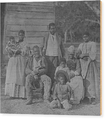 African American Slave Family Wood Print by Everett