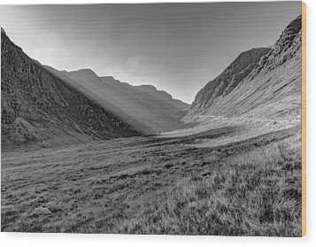 Wood Print featuring the photograph Afternoon Sun Rays Bealach Na Ba Black And White by Gary Eason