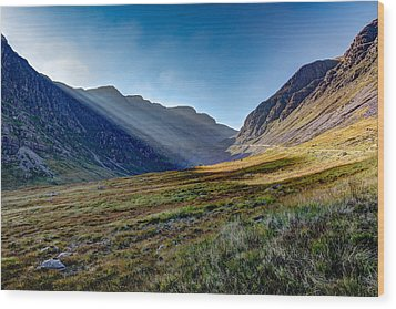 Wood Print featuring the photograph Afternoon Sun Rays Bealach Na Ba by Gary Eason