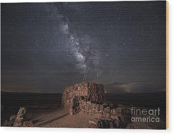 Wood Print featuring the photograph Agate House At Night2 by Melany Sarafis