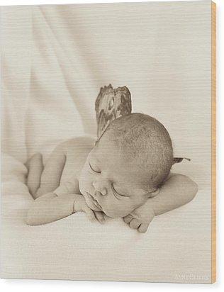 Aimee As A Fairy Wood Print by Anne Geddes