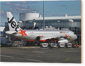 Wood Print featuring the photograph Airbus A320-232 by Tim Beach