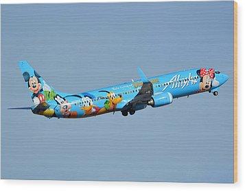 Alaska Boeing 737-990 N318as Disneyland Phoenix Sky Harbor January 19 2016 Wood Print by Brian Lockett