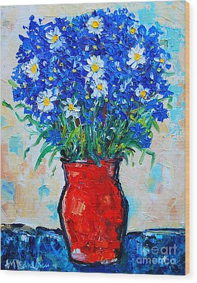 Albastrele Blue Flowers And Daisies Wood Print by Ana Maria Edulescu