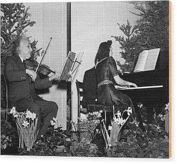 Albert Einstein Giving A Violin Recital Wood Print by Everett