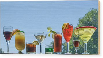 Alcoholic Beverages - Outdoor Bar Wood Print