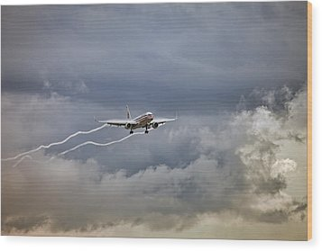 American Aircraft Landing Wood Print by Juan Carlos Ferro Duque
