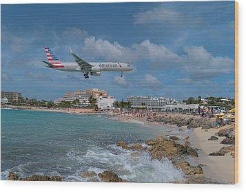 American Airlines Landing At St. Maarten Airport Wood Print by David Gleeson