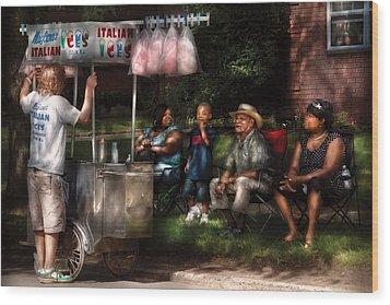 Americana - People - Buying Treats Wood Print by Mike Savad
