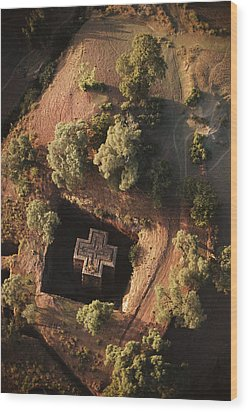 An Aerial View Of Beta Wood Print by James P. Blair