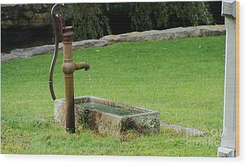An Old Hand Pump In Plymouth,mass Wood Print by Rod Jellison